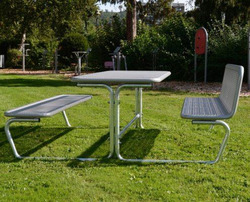 Lauko suoleliai ir stalai Parador